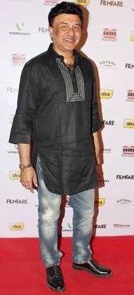 संगीतकार अनु मलिक ने भी पार्टी में शिरकत की।