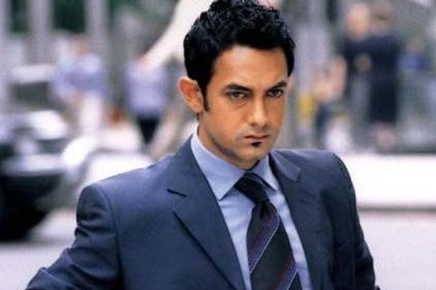 फिल्म 'दिल चाहता है' में आमिर का लुक।