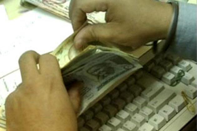 बैंकिंग सेक्टर में 8% वेतन बढ़ोतरी की उम्मीद है।
