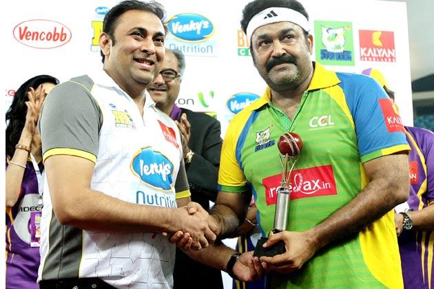 </p><p>मलयालम सुपरस्टार मोहललाल सीसीएल में केरला स्ट्राइकर्स के कप्तान हैं।</p><p>