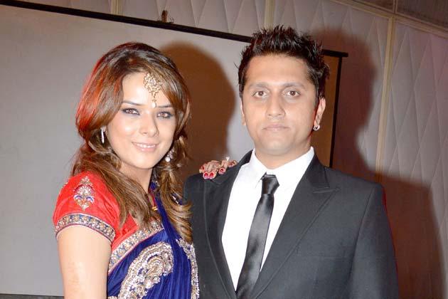 शादी का रिसेप्शन 31 जनवरी को मुंबई के महालक्ष्मी रेसकोर्स में हुआ।