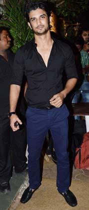 अभिनेता सुशांत सिंह राजपूत भी भंसाली की बर्थडे पार्टी में नजर आए।