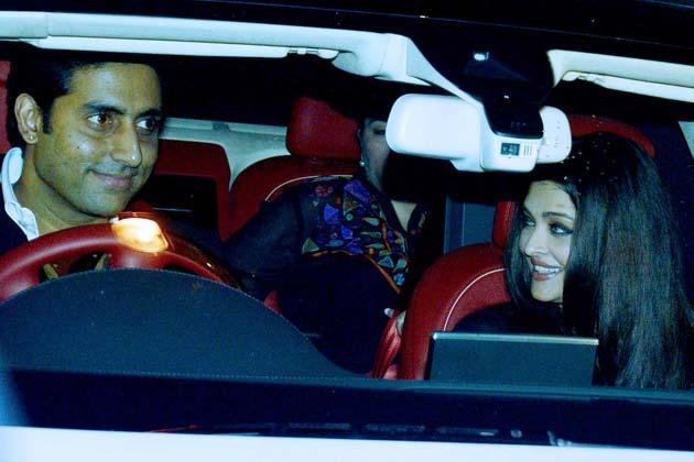 भंसाली की बर्थडे पार्टी में अभिषेक बच्चन अपनी पत्नी ऐशवर्या राय बच्चन के साथ पहुंचे।