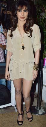 अभिनेत्री प्रियंका चोपड़ा भी भंसाली की बर्थडे पार्टी में पहुंची।
