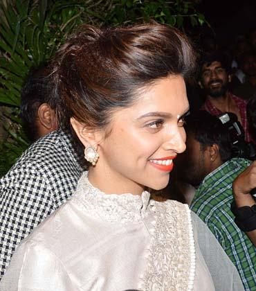 भंसाली की बर्थडे पार्टी में अभिनेत्री दीपिका पादुकोण भी नजर आई।