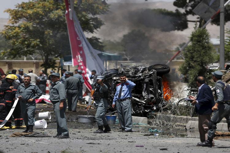 काबुल एयरपोर्ट के पास कार में जबरदस्त धमाका