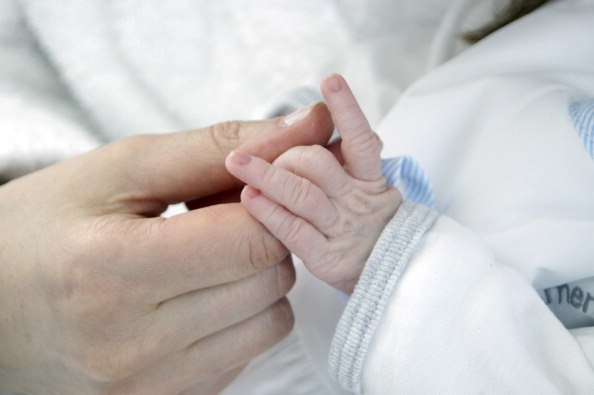 मां का दूध बच्चों के लिए जरूरी, बहुत सी बीमारियों से करता है बचाव