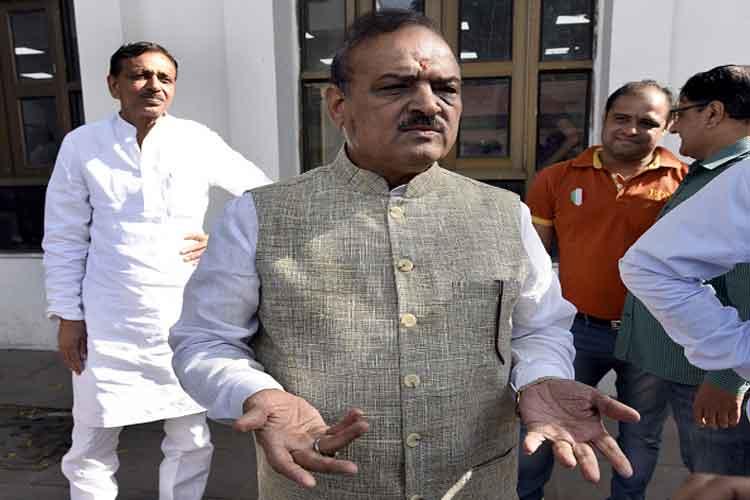 दिल्ली में क्या बीजेपी विधायक को विधानसभा परिसर में भी जाने पर पाबंदी है?