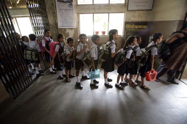 स्कूल हैं या बिजनेस, अभिवाहकों को ऐसे लूट रहे हैं शिक्षण संस्थान