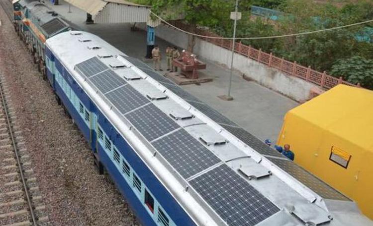 रेलवे ने तैयार किए 50 सोलर डिब्बे, बदल जाएगी सूरत