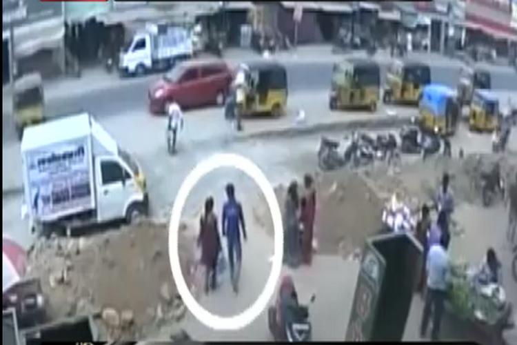 वीडियो: तमिलनाडू में प्रेमी जोड़े को सरेआम उतारा मौत के घाट