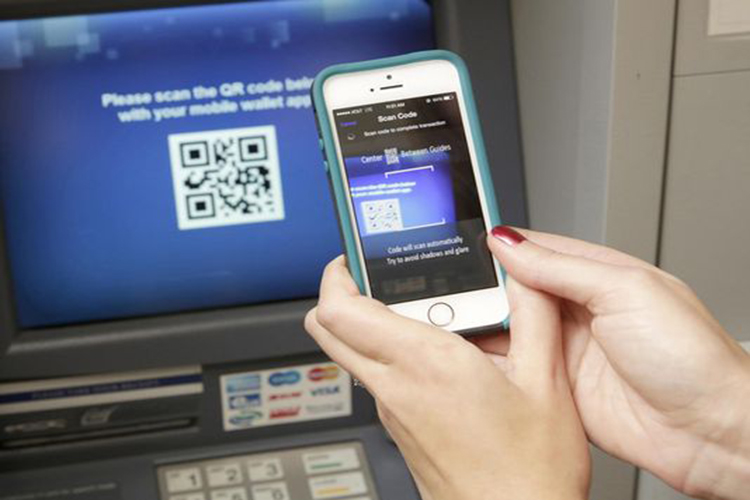 ...तो ATM सिस्टम को खत्म कर देगा स्मार्टफोन, बिना कार्ड ऐसे निकाल सकेंगे पैसा!