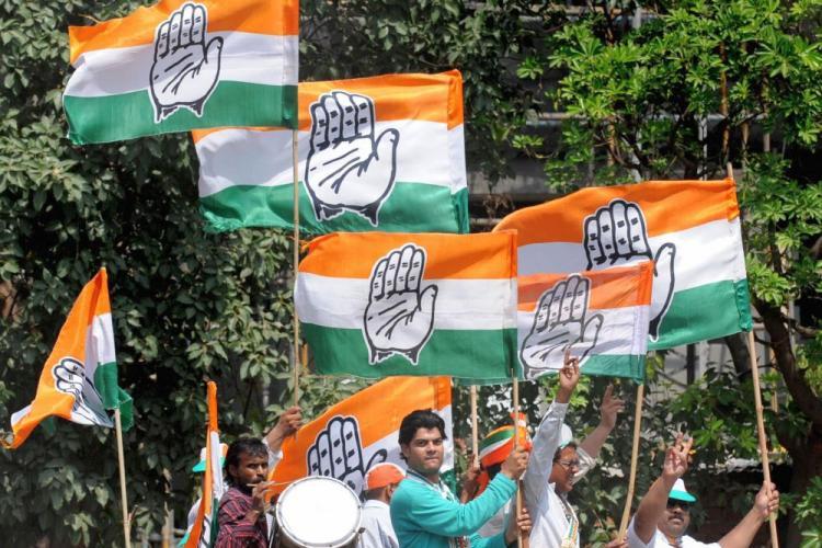 कांग्रेस ने केजरीवाल से पहले ही कर डाला फ्लाईओवर का उद्घाटन