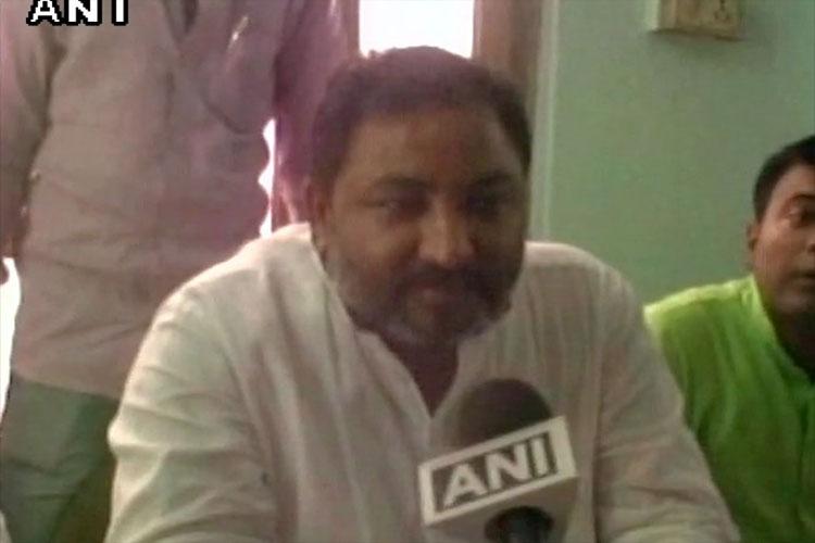 फरार चल रहे दयाशंकर सिंह के खिलाफ जारी हुआ गैर जमानती वॉरंट