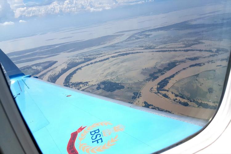 असम में बाढ़ का कहर, 17 लाख लोग प्रभावित, गृहमंत्री ने किया हवाई सर्वेक्षण
