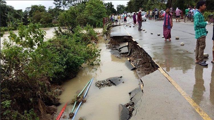 सूखे के बाद बाढ़ की विनाशलीला, उत्तराखंड में 58, बिहार में 17 मौतें, असम में भी बिगड़े हालात