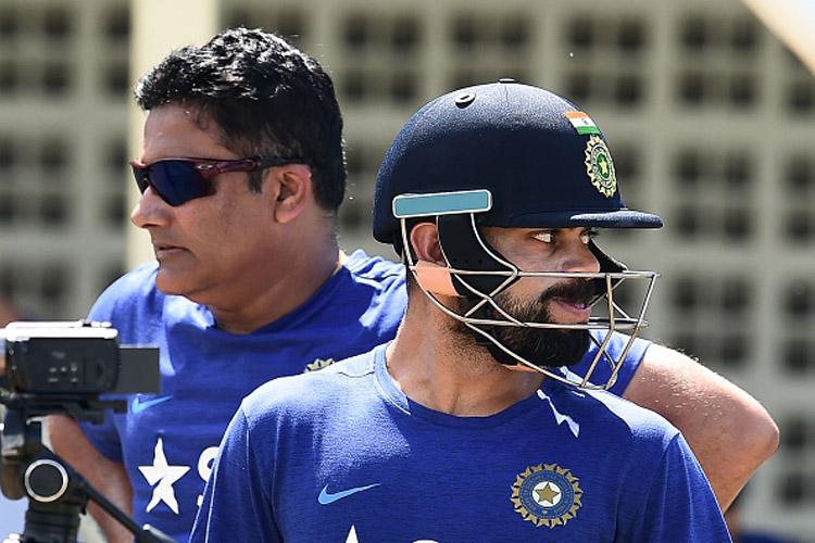 IND vs WI: कप्तान विराट कोहली का शतक, भारत के 4 विकेट पर 302 रन