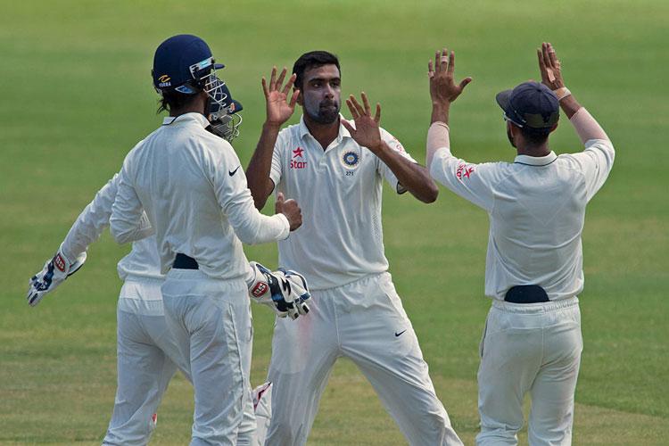 अश्विन की फिरकी में फंसा वेस्टइंडीज, भारत को मिली एशिया से बाहर