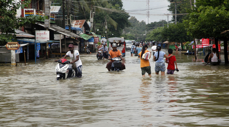 बाढ़ से हाहाकार, देश के 10 राज्यों में बारिश ने मचाया कहर