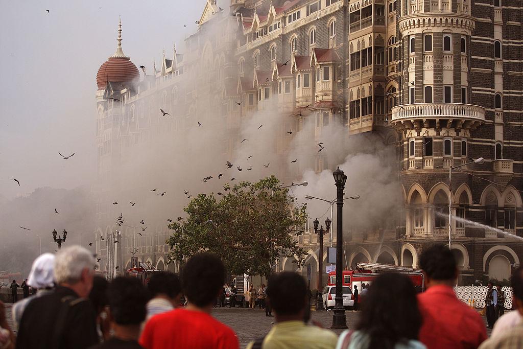 मुंबई हमला: पाकिस्तानी कोर्ट ने सरकार, सात आरोपियों को जारी किया नोटिस