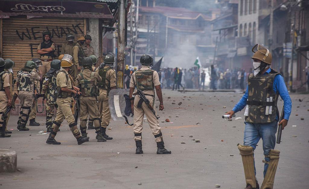 अब भी सुलग रहा है कश्मीर, ये हैं ताजे हालात!