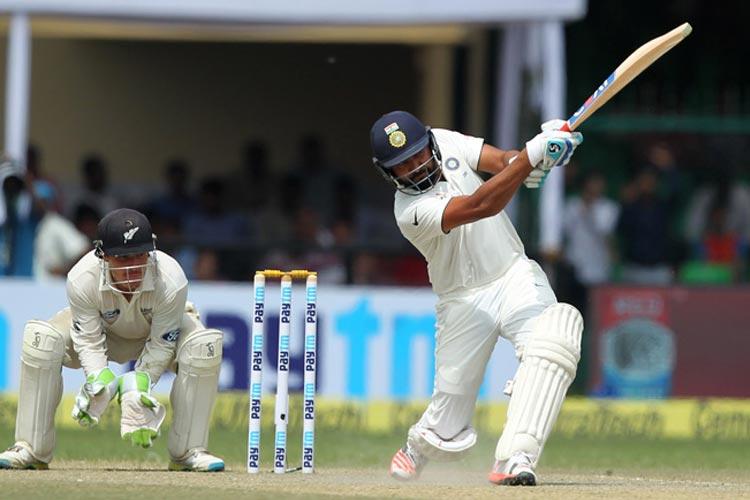 कोलकाता टेस्टः टीम इंडिया ने ली 339 रन की लीड, फिर हार की कगार पर मेहमान