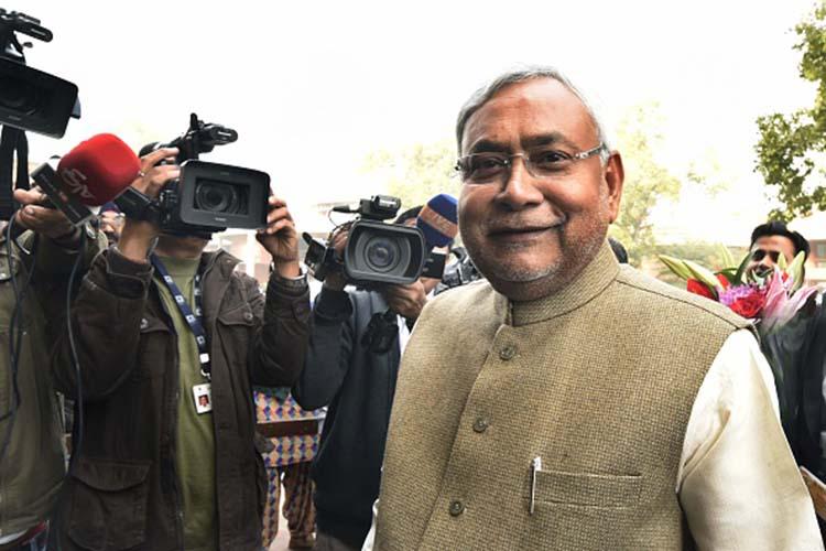 नोटबंदी के समर्थन से नीतीश ने खेला ये महादांव, गफलत में भाजपा, सियासी दल अंजान..!