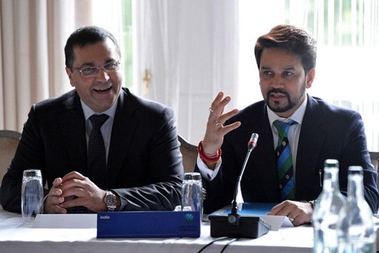 शीर्ष अदालत द्वारा लोढ़ा समिति की सिफारिशों को लागू करने के लिए बार-बार दी गई चेतावनी के बावजूद बीसीसीआई अध्यक्ष अनुराग ठाकुर और सचिव अजय शिर्के ने अड़ियल रुख बरकरार रखा है। लोढ़ा समिति की सिफारिशों को अगर लागू कर दिया जाए तो क्रिकेट की प्रशासनिक व्यावस्था में आमूल-चूल सुधार देखने को मिल सकते हैं, लेकिन इस मामले पर बीसीसीआई और समिति के बीच तनातनी की स्थिति अभी जारी है।