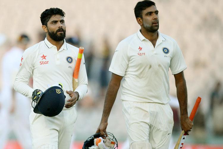 आईसीसी टेस्ट रैंकिंग में जहां भारत पहले स्थान पर है, वहीं टी-20 रैंकिंग में दूसरे और वनडे रैंकिंग में तीसरे स्थान पर है। इसके अलावा, भारतीय टीम ने अपने साल का समापन लगातार 18 टेस्ट मैचों में अविजित रहते हुए किया। लेकिन भारतीय टीम के सर पर सजे ये ताज बीसीसीआई को सर्वोच्च न्यायालय के कोप भाजन से बचाने में असमर्थ साबित हुए।