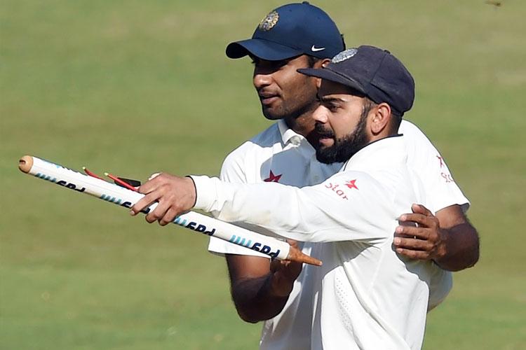 आईपीएल से ठीक पहले धोनी की अगुवाई में बिल्कुल युवा टीम ने जिम्बाब्वे का दौरा किया। जिम्बाब्वे तीन मैचों की वनडे सीरीज में 3-0 से हराने के बाद भारतीय टीम को टी-20 सीरीज के पहला मैच में जरूर हार मिली, लेकिन धोनी की युवा ब्रिगेड ने वापसी करते हुए सीरीज 2-1 से जीत लिया। इसके बाद भारत ने वेस्टइंडीज को उन्हीं की धरती पर दो टेस्ट मैचों की सीरीज में 2-0 से मात दी आईसीसी टेस्ट रैंकिंग में फिर से शीर्ष स्थान हासिल किया।