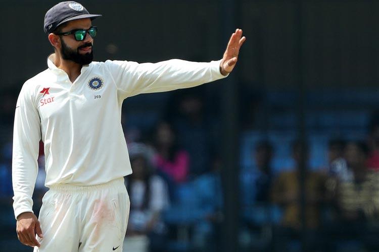 स्पोर्ट्स डेस्क। भारतीय क्रिकेट टीम इस पूरे वर्ष जहां सफलता के घोड़े पर सवार रही और नंबर-1 टेस्ट टीम के रूप में साल का समापन किया, वहीं मैदान के बाहर देश की शीर्ष नियामक संस्था भारतीय क्रिकेट कंट्रोल बोर्ड (बीसीसीआई) के लिए यह साल संघर्ष से भरा रहा। बीसीसीआई को सर्वोच्च न्यायालय द्वारा गठित लोढ़ा समिति की सिफारिशों को लागू करने में हीला-हवाली करने के लिए कई बार शीर्ष अदालत से कड़ी फटकार झेलनी पड़ी और उसकी विश्वसनीयता में नई गिरावट दर्ज की गई। (Getty images & BCCI)