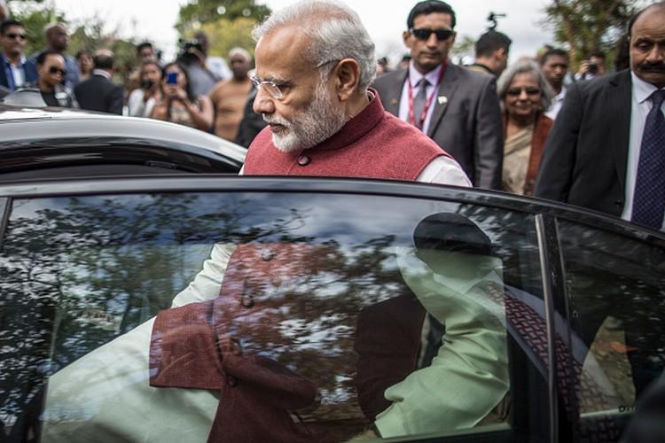 इसलिए परिवार को पार्टी से दूर रखना चाहते हैं मोदी, ऐसा है प्रधानमंत्री का परिवार..!