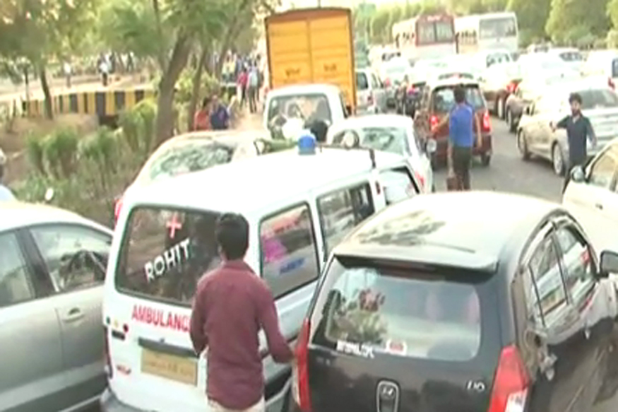 traffic jam in hindi Get information about traffic jam in delhi in hindi on hindinews18com, explore  traffic jam in delhi with news,  traffic jam in delhi - सभी रिजल्ट्स.