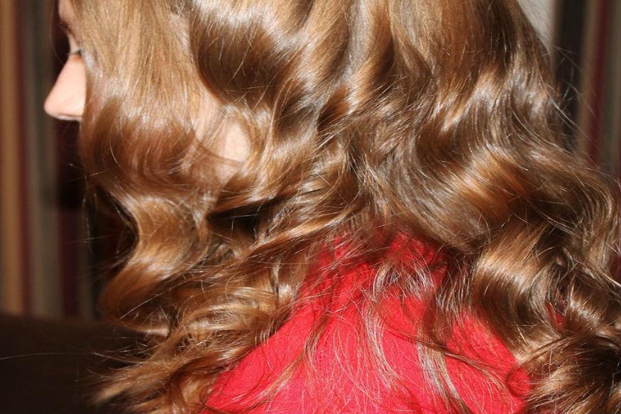 बालों को मुलायम बनाए घरेलू हेयर मास्क.