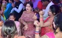 देवर के शादी समारोह में जमकर नाचीं अखिलेश की पत्नी डिंपल यादव, देखें तस्वीरें