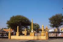 इस मंदिर पर गिरते ही धुआं हो गए थे पाकिस्तान के 3 हजार बम, भारतीय सेना आज भी करती है पूजा...
