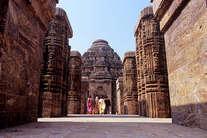भारत में है दुनिया का ये सबसे रहस्यमयी मंदिर, साक्षात दर्शन देते हैं भगवान..!