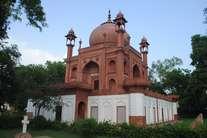 क्या आप जानते हैं आगरा में एक और ताजमहल है, 213 साल पहले हुआ था इसका निर्माण...!