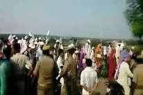 देखें: जय गुरुदेव के कार्यक्रम में मची भगदड़ की पहली तस्वीरें!