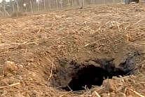 देखें: सांबा में मिली 80 मीटर लंबी सुरंग, इसी के रास्ते पाकिस्तान से आए थे आतंकी