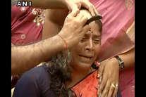 'अम्मा' के शोक में रो-रो कर सिर मुंडवा रहे हैं लोग, महिलाएं भी शामिल