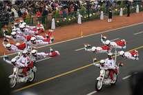 गणतंत्र दिवस परेड की झलकियां, राजपथ पर दिखी भारत की ताकत
