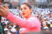 जियो मैराथनः रिमी सेन के साथ जमकर दौड़ा इंदौर, विजयवर्गीय का भी दिखा अलग अंदाज