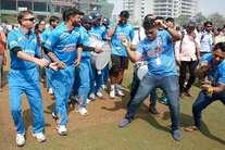 क्रिकेट से रोशन है इनकी दुनिया, जीतने के जश्न का अंदाज भी है जुदा
