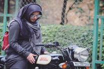 बाइक से सपनों को उड़ान देती हिजाब वाली बाइकरनी