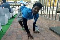 रांची टेस्ट मैच : जुटी क्रिकेट दीवानों की फाैज यहां, तस्वीरों में देखिए दीवानगी की हद