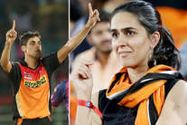 तस्वीरें: मैच देखने पहुंची आशीष नेहरा की वाइफ, ये सेलेब भी आए नजर