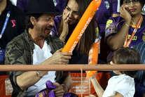 IPL-10: स्टाइलिश हैं अबराम, कॉपी किया पापा शाहरुख का 'टैटू'