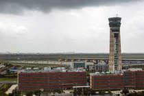 दिल्ली एयरपोर्ट की सुरक्षा में बड़ी चूक, पार्किंग में मिले 12 जिंदा कारतूस