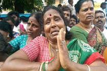Live: जयललिता की हालत बेहद नाजुक, चेन्नई में लगा अघोषित कर्फ्यू